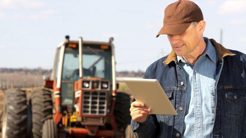 Produtor rural negocia grãos pelo computador