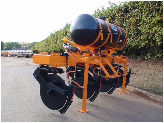 Aplicador de Inseticidas em Soqueiras com Bomba Pistão DMB