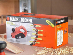"Plaina Elétrica 3.1/4""  Black & Decker 650W - 8"