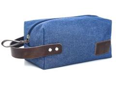 Necessaire em Nylon Azul Marinho com Detalhes em Couro Marrom