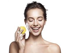 Mini Escova Sônica Multilaser Bella para Limpeza Facial Amarela - 4