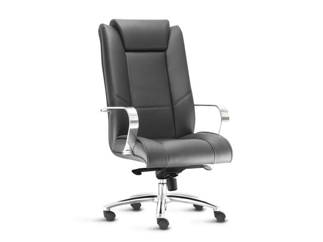 Cadeira New Onix Presidente Preta Cromada e Rodízio para Piso Duro