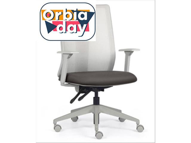 Cadeira Addit Alta Cinza e Assento Cinza Rodízio Piso Duro